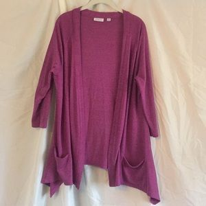 Lightweight sweater with 3/4 sleeves